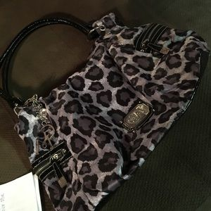 ☀️ SUMMER SALE ☀️ Snow leopard purse
